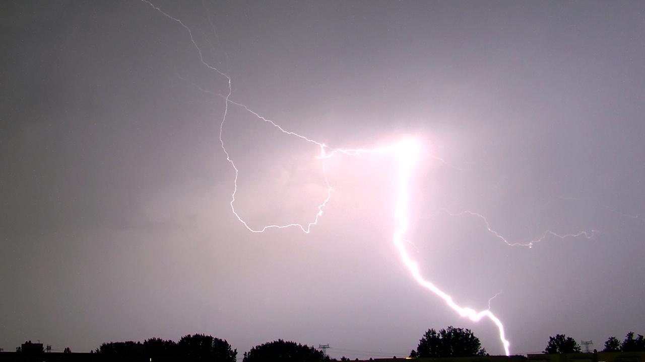 Überbelichteter Blitz (Blendenzahl zu klein)